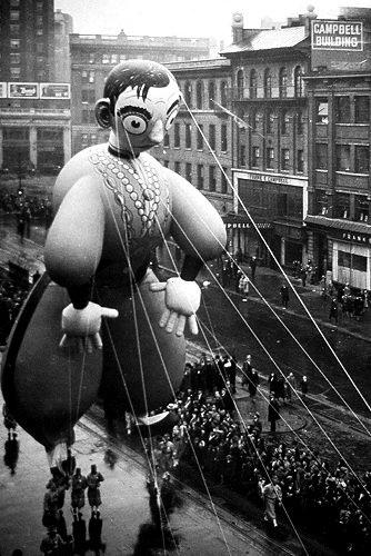 Eddie Cantor balloon. Photo: NY Daily News