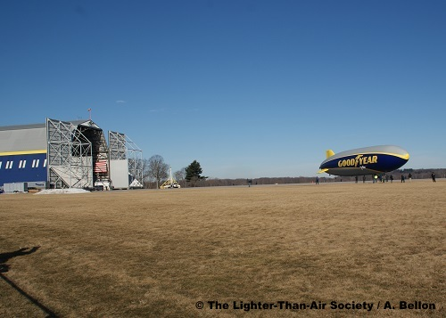 Moments before take-off. The open doors of the Wingfoot Lake hangar can be seen to the left. Photo: A. Bellon - LTAS