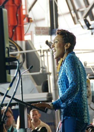 Robin Roberts greets the audience: Good Morning Akron!. Photo: Alvaro Bellon