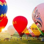 A national hot air balloon competition has lifted off in Central China's city of Wuhan