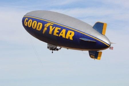 Te Spirit of America in flight. Image credit: Akron Beacon Journal/Goodyear