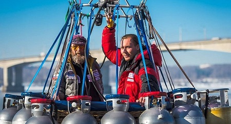 Russian aviation enthusiast Fedor Konyukhov (L) and expert hot air balloon pilot Ivan Menyaylo (R). © Photo: Fyodor Konyukhov