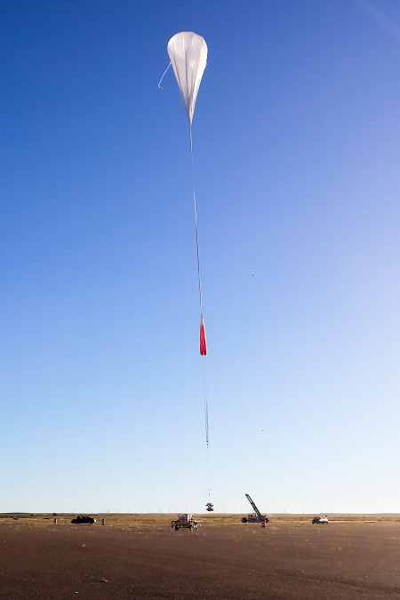 The HySICS and WASP instruments lift off from the Scientific Balloon Flight Facility in Fort Sumner, N.M. Photo: HySICS Team/LASP
