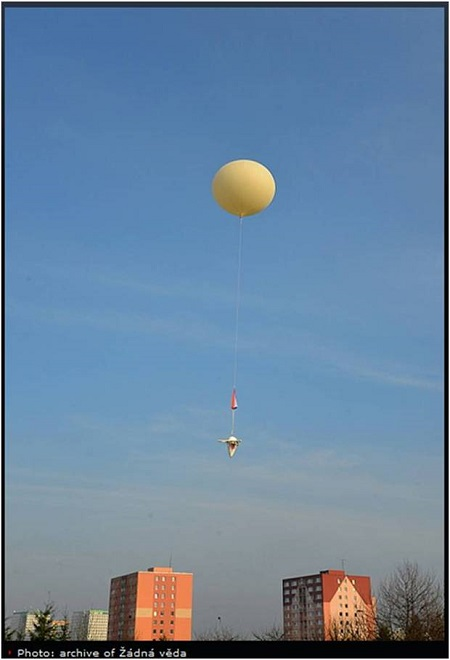Launch of the stratospheric balloon. Photo: No Rocket Science