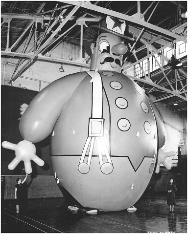 Harold the Fireman in the Goodyear gymnasium in Akron, Ohio. Photo: The Lighter-Than-Air Society Collection