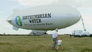 The Northumbrian Water blimp on Newcastle's Town Moor in 1989. Photo: BBC.co.uk