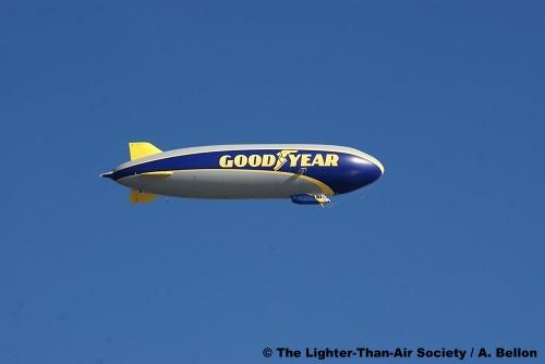 The new blimp flies off on its first test flight. Photo: A. Bellon - LTAS