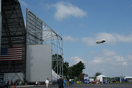 Wingfoot One returns to Wingfoot Lake at the culmination of the first flight. Photo: Alvaro Bellon