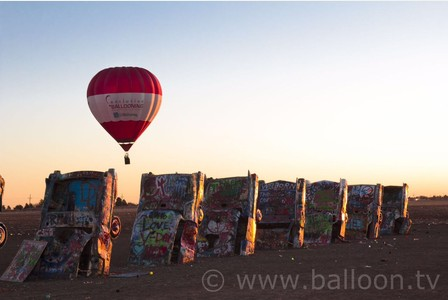 Art installation Cadillac Ranch. Image courtesy of www.balloon.tv.